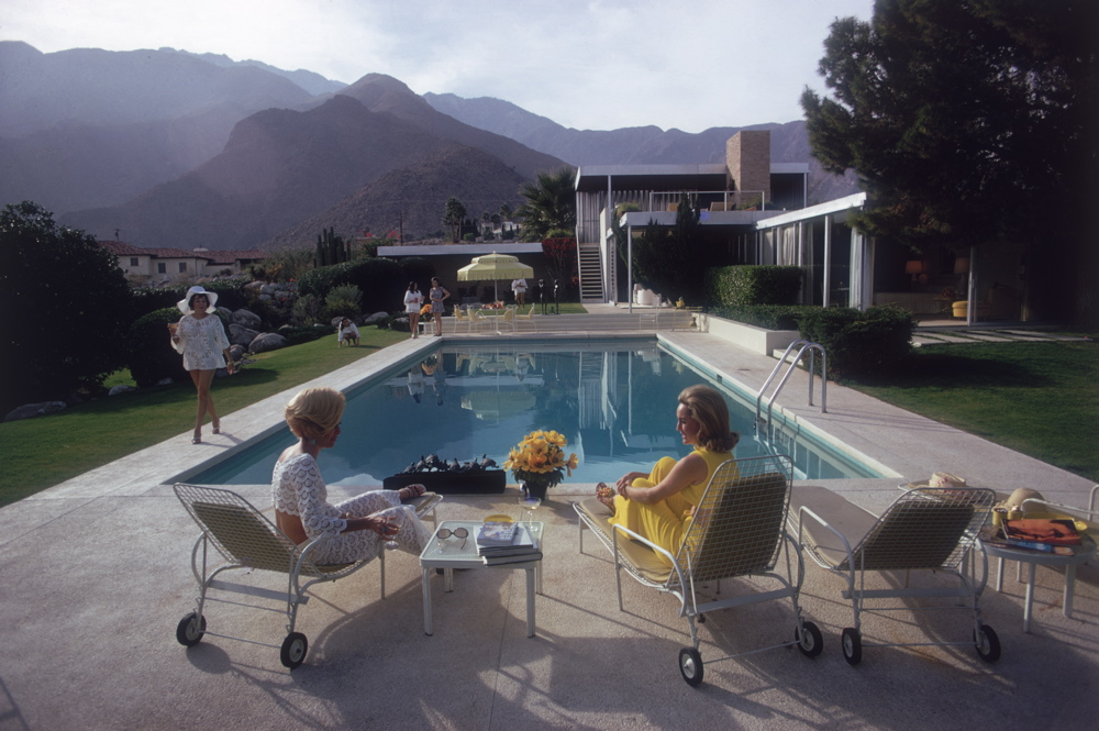 Just discussing their alkaline diet. Photo by Slim Aarons/Getty Images)